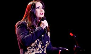 ANA GABRIEL en Concierto en Miami,  Sentimiento Hecho Canción