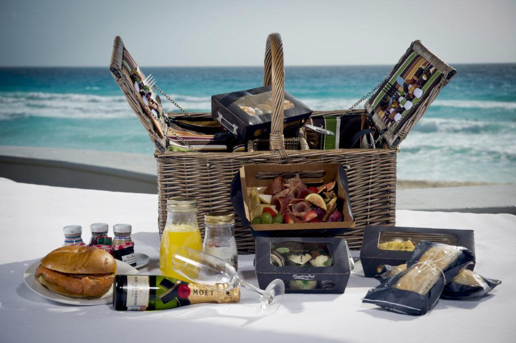 JW Marriott Cancun_Beach Brunch Basket