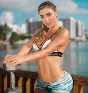 Isa Correa ¡La chica fitness de abdomen perfecto