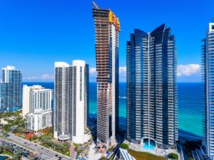 VIVA MIAMI REAL ESTATE por Pina Armentano
